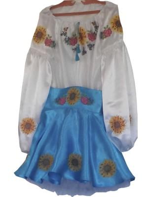 Детский сценический костюм в народном стиле
