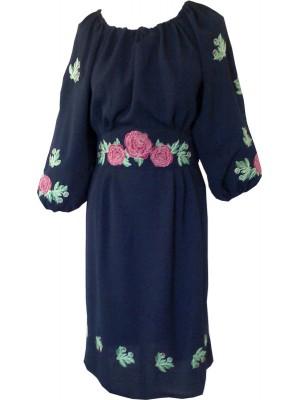 Вышитое платье в народном стиле